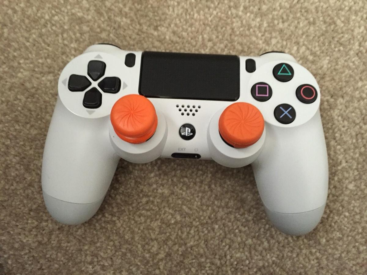 Ps4 console bundle in TS4 Middlesbrough for £1,111,111 00 for sale
