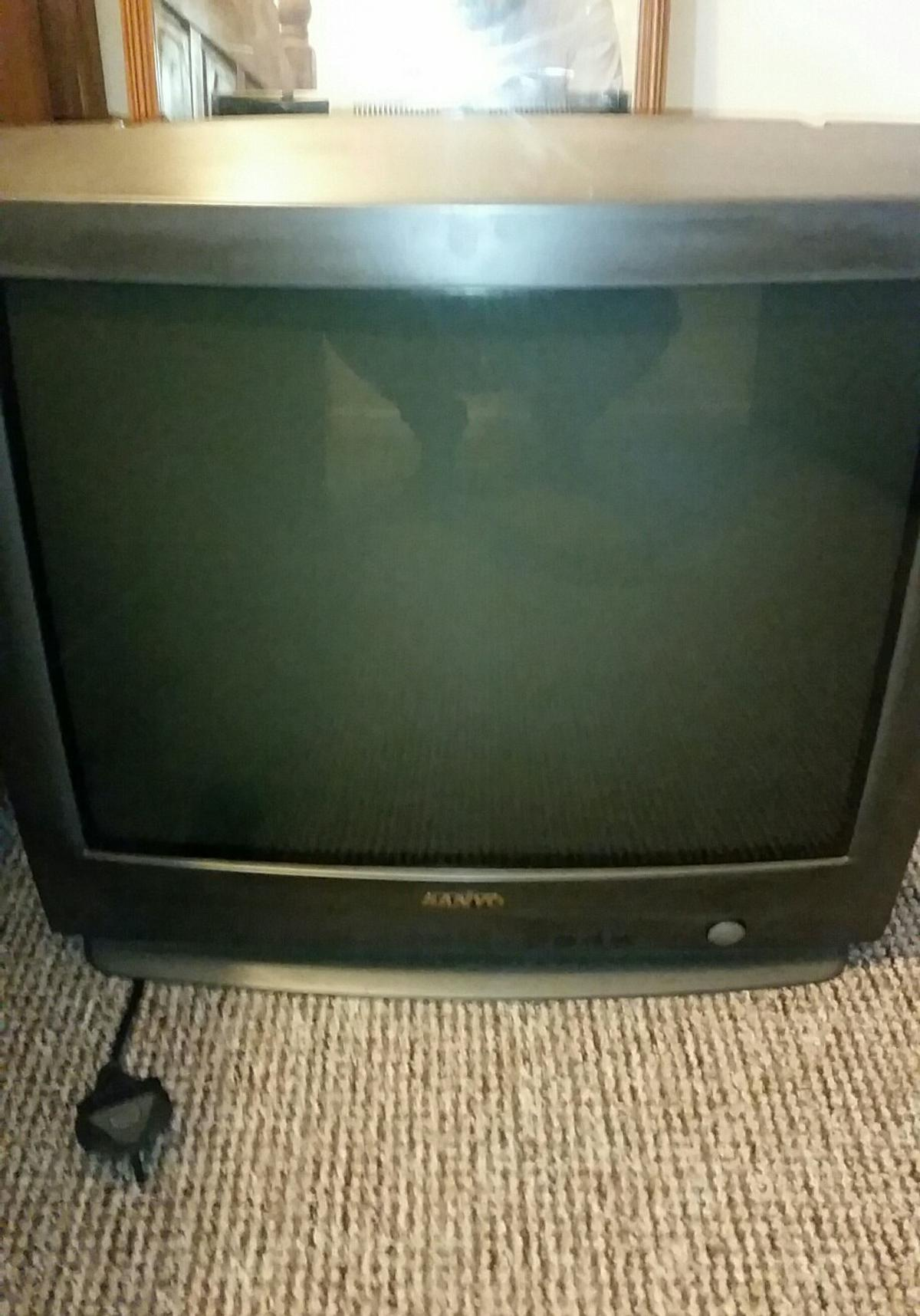 Fat back sanyo tv  Working