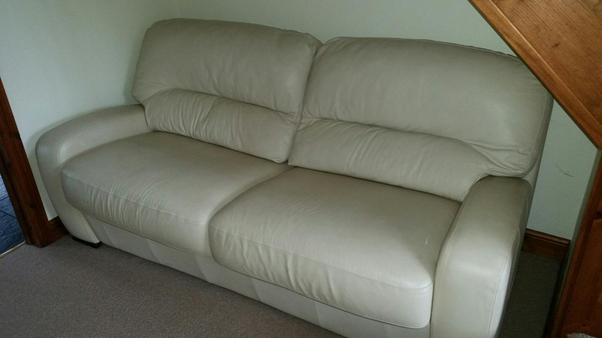 Picture of: Dfs Cream Leather Sofa Bed In Ty Coch For 130 00 For Sale Shpock