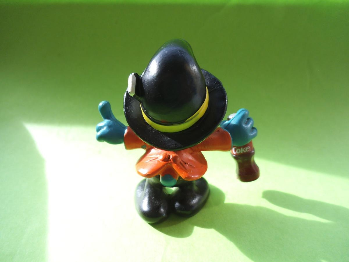 custom made paparazzi smurf with cola bottle in BN1 Brighton