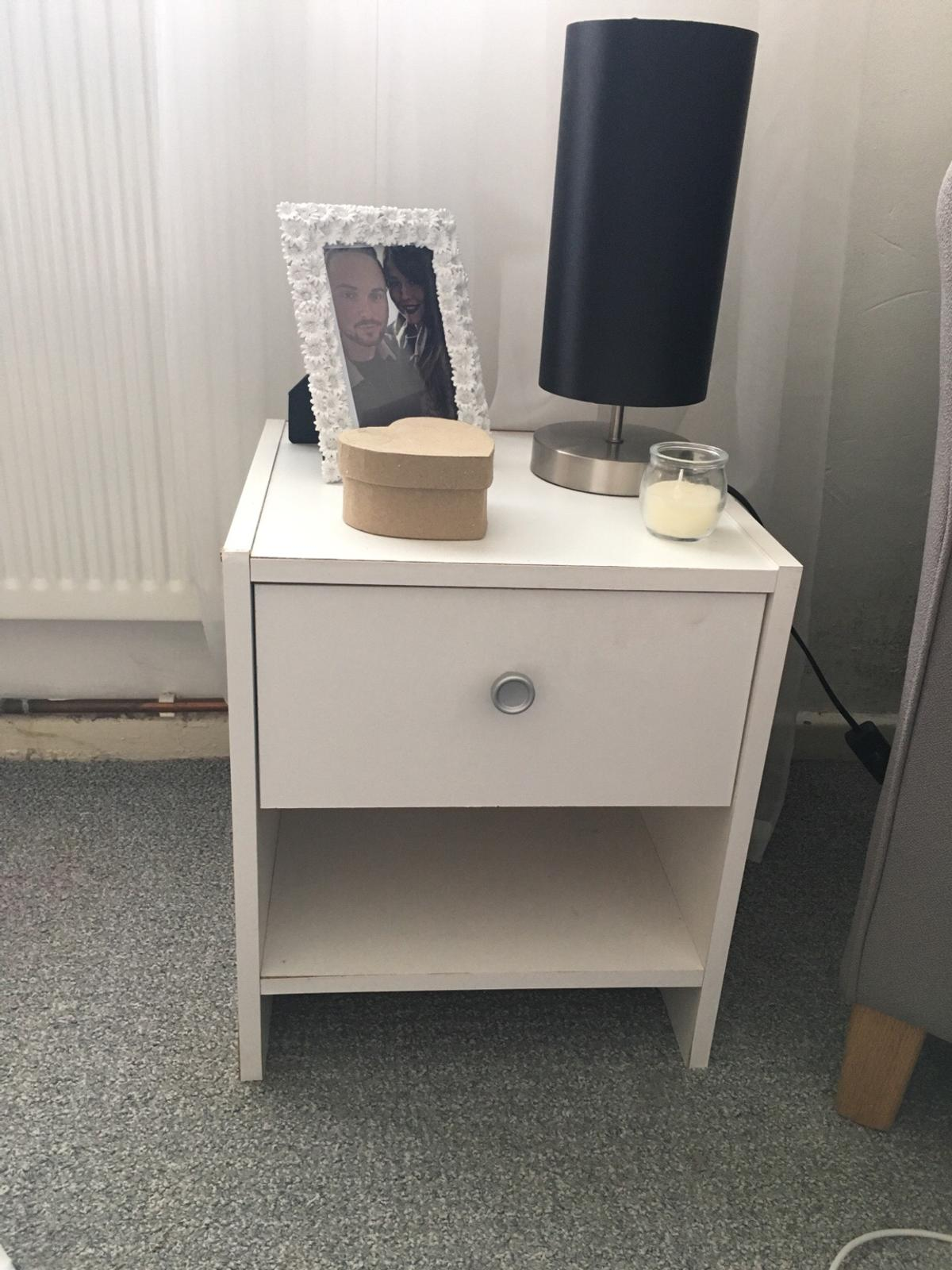 Small Bedside Cabinet In Trelewis For 5 00 For Sale Shpock