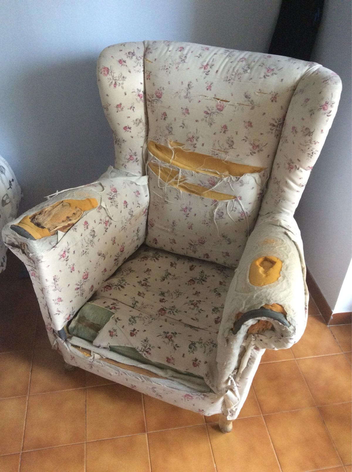 Poltrona bergere antica in 00173 Roma for €50.00 for sale - Shpock