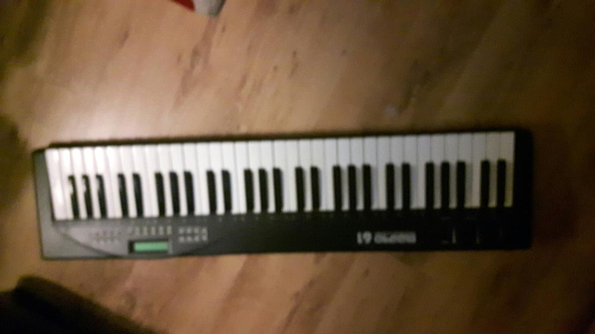 Midi pro keyboard in B47 Bromsgrove for £25 00 for sale - Shpock