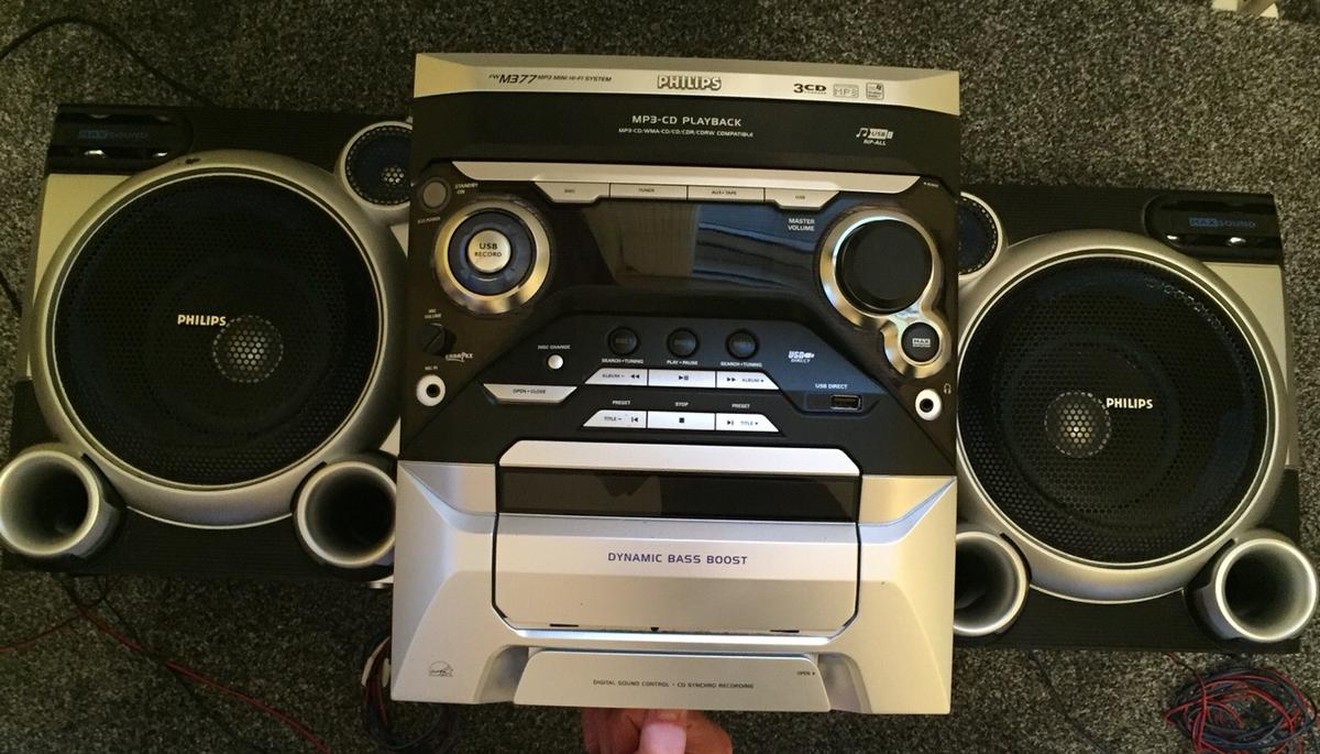 f43b44a213c PHILIPS STEREO ( fwm377 MP3 mini hifi system) in SG19 Potton for £15.00 for  sale - Shpock