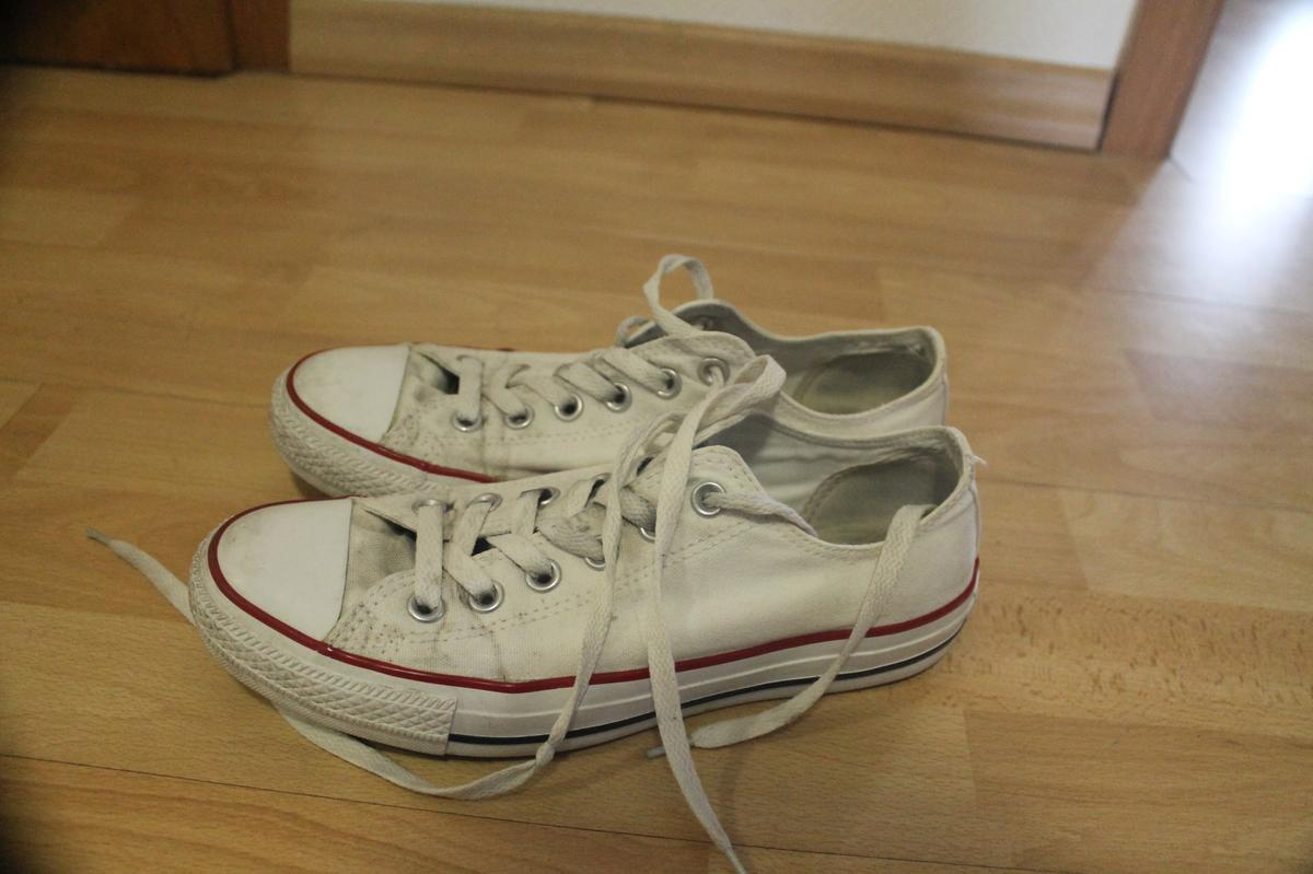 Converse chucks weiß 39 sneakers in Moers for €5.00 for sale - Shpock