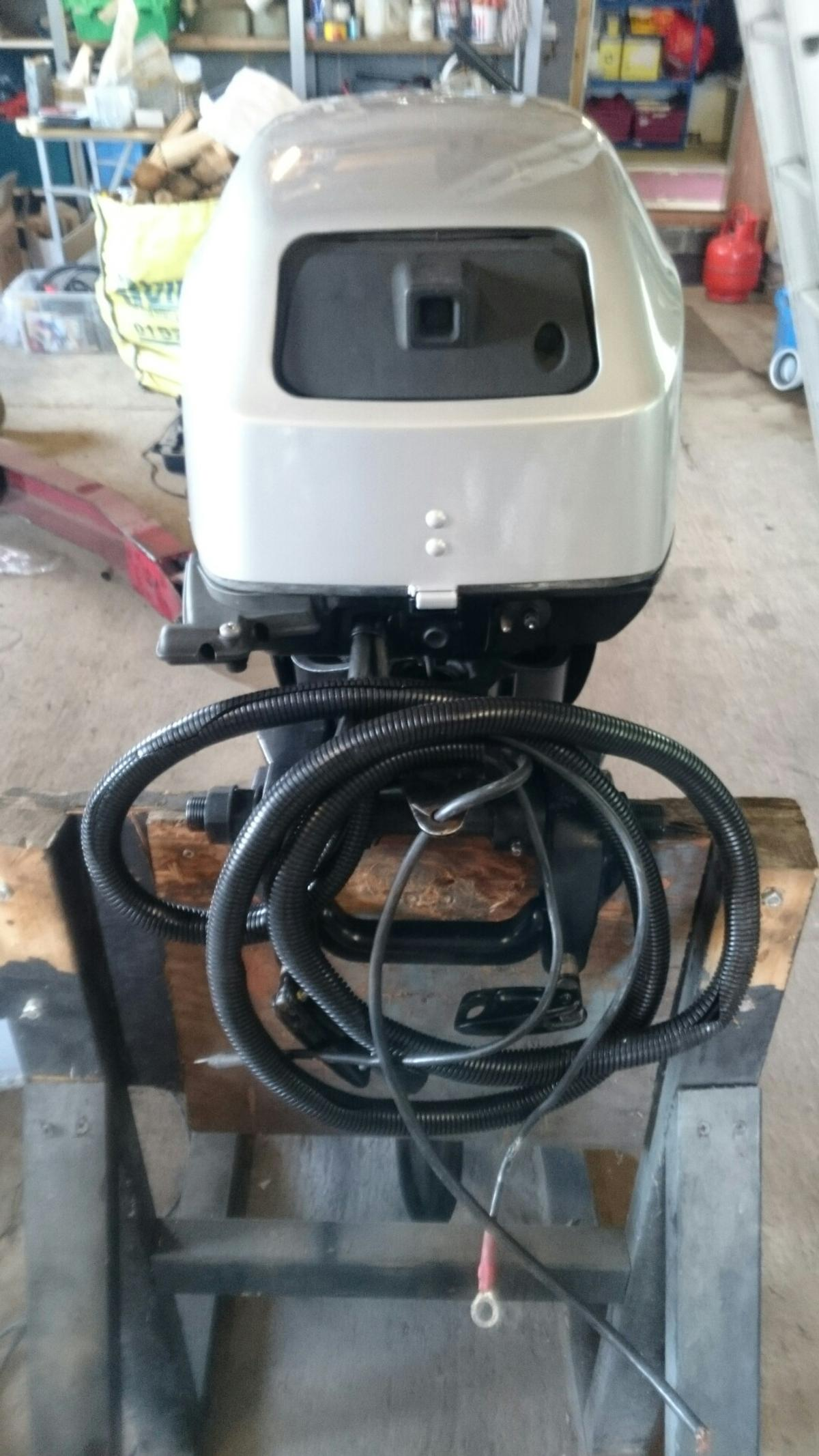Mariner 15hp 4 stroke outboard engine in WR14 Hills for £1,100 00