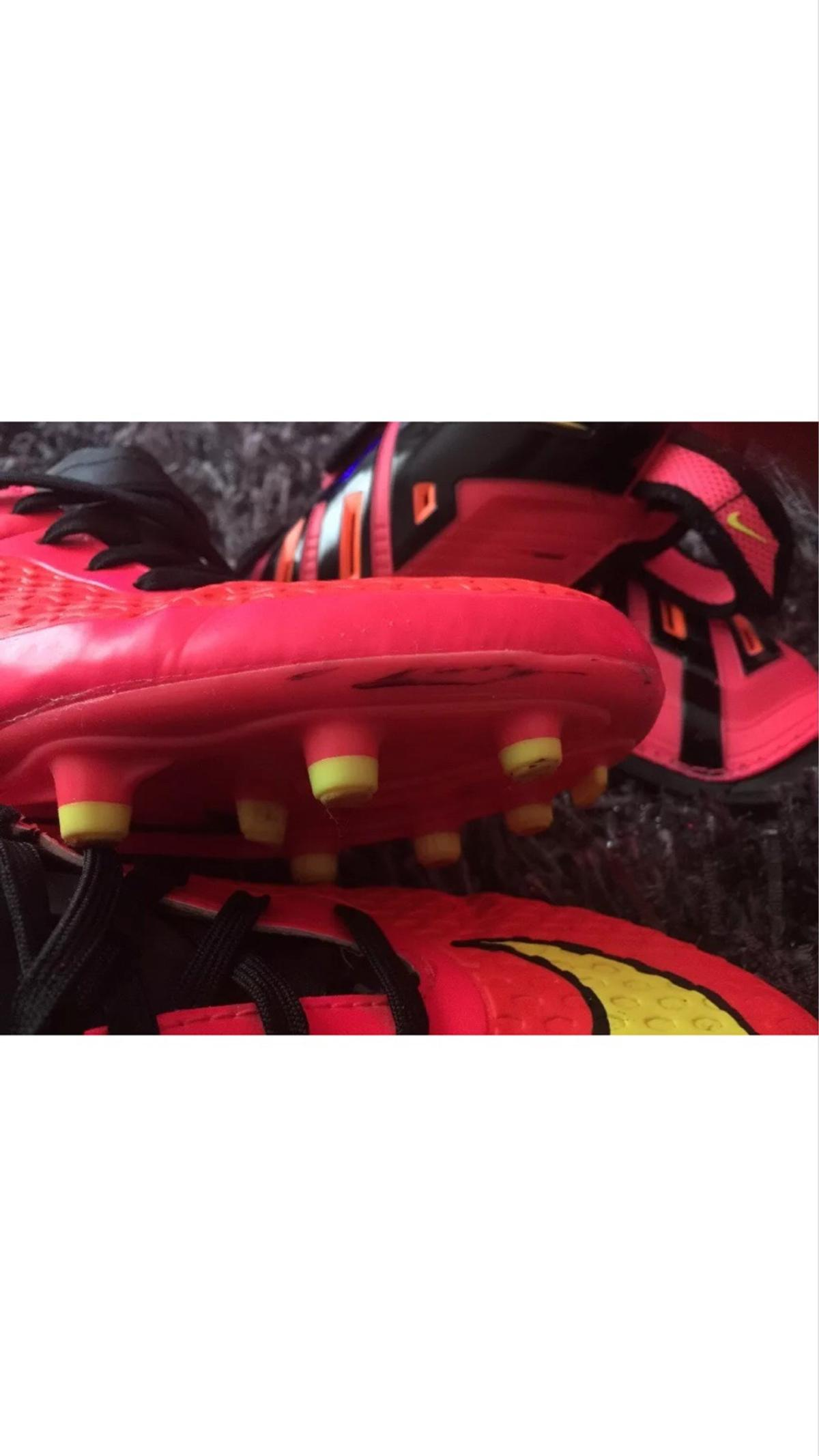 check out f5031 986cb Nike Hypervenom Football Boots + Shin guards