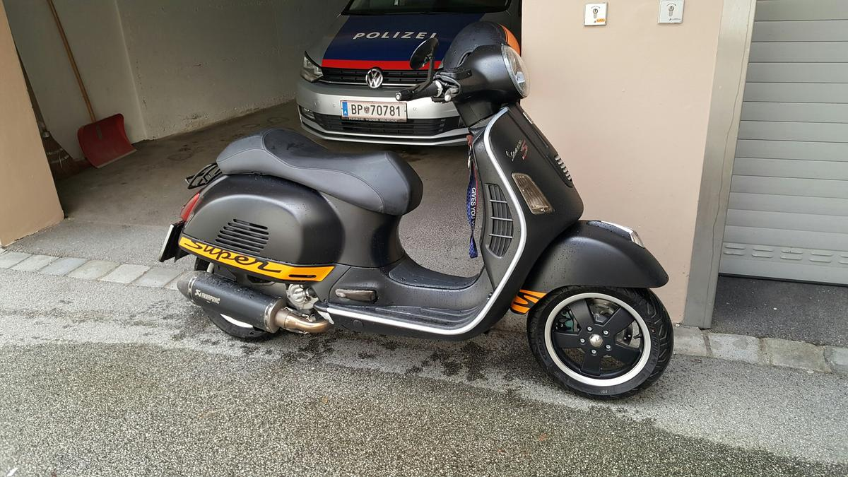 Vespa Gts 125 Supersport In 6091 Gotzens For 4 599 00 For Sale Shpock
