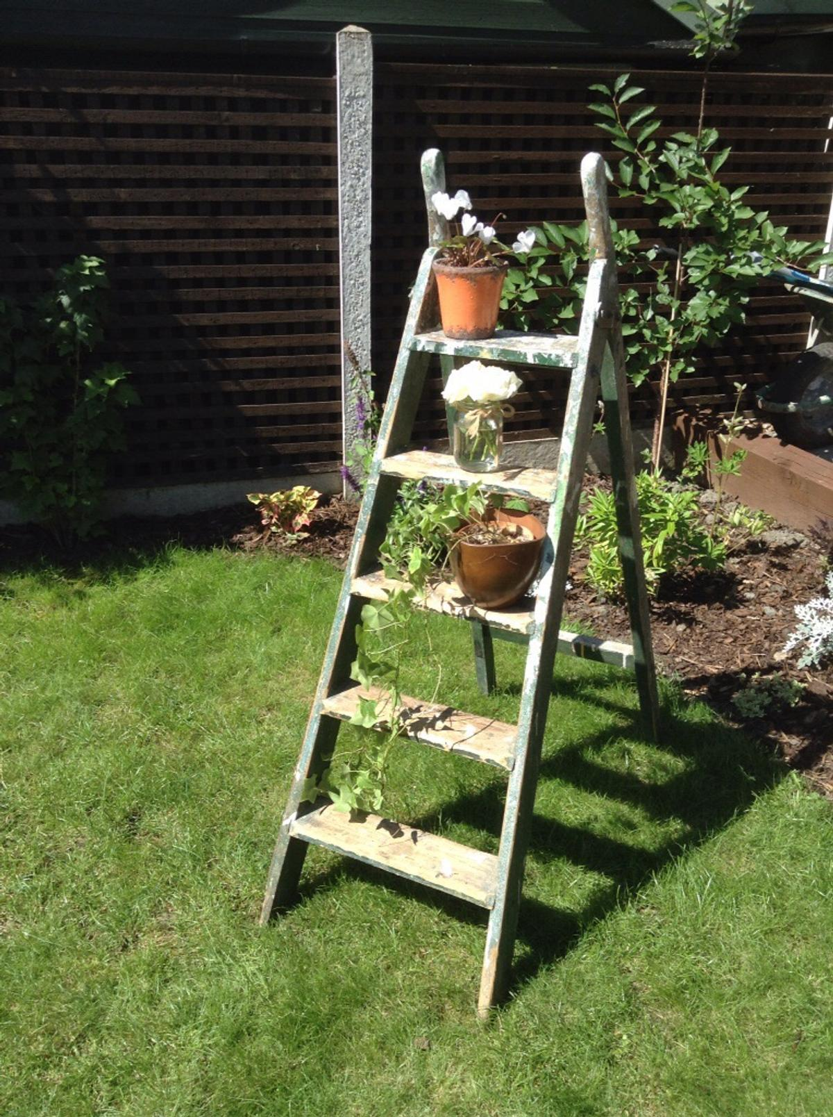 Vintage Shabby Chic Wooden Step Ladders In S65 Ravenfield
