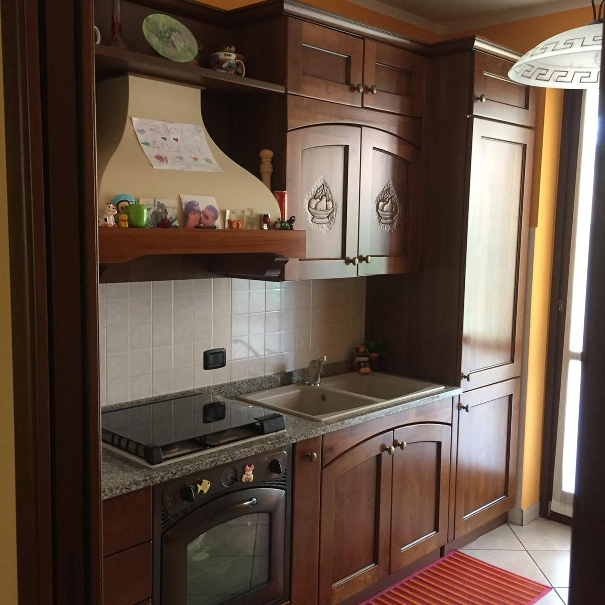 Tavolo In Arte Povera Allungabile.Cucina Arte Povera In 21017 Samarate For 600 00 For Sale Shpock