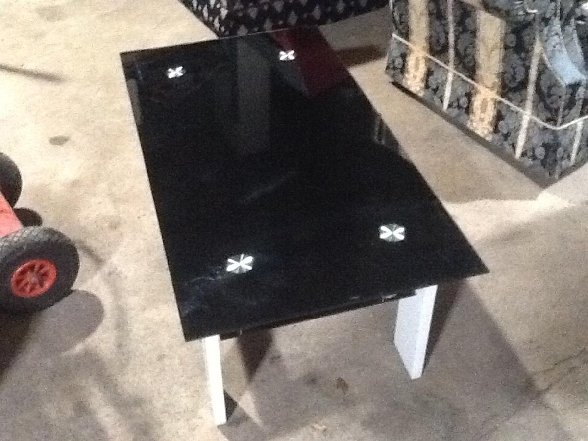 Glass Coffee Table Metal Legs Used On A Film In Ng11 Clifton For