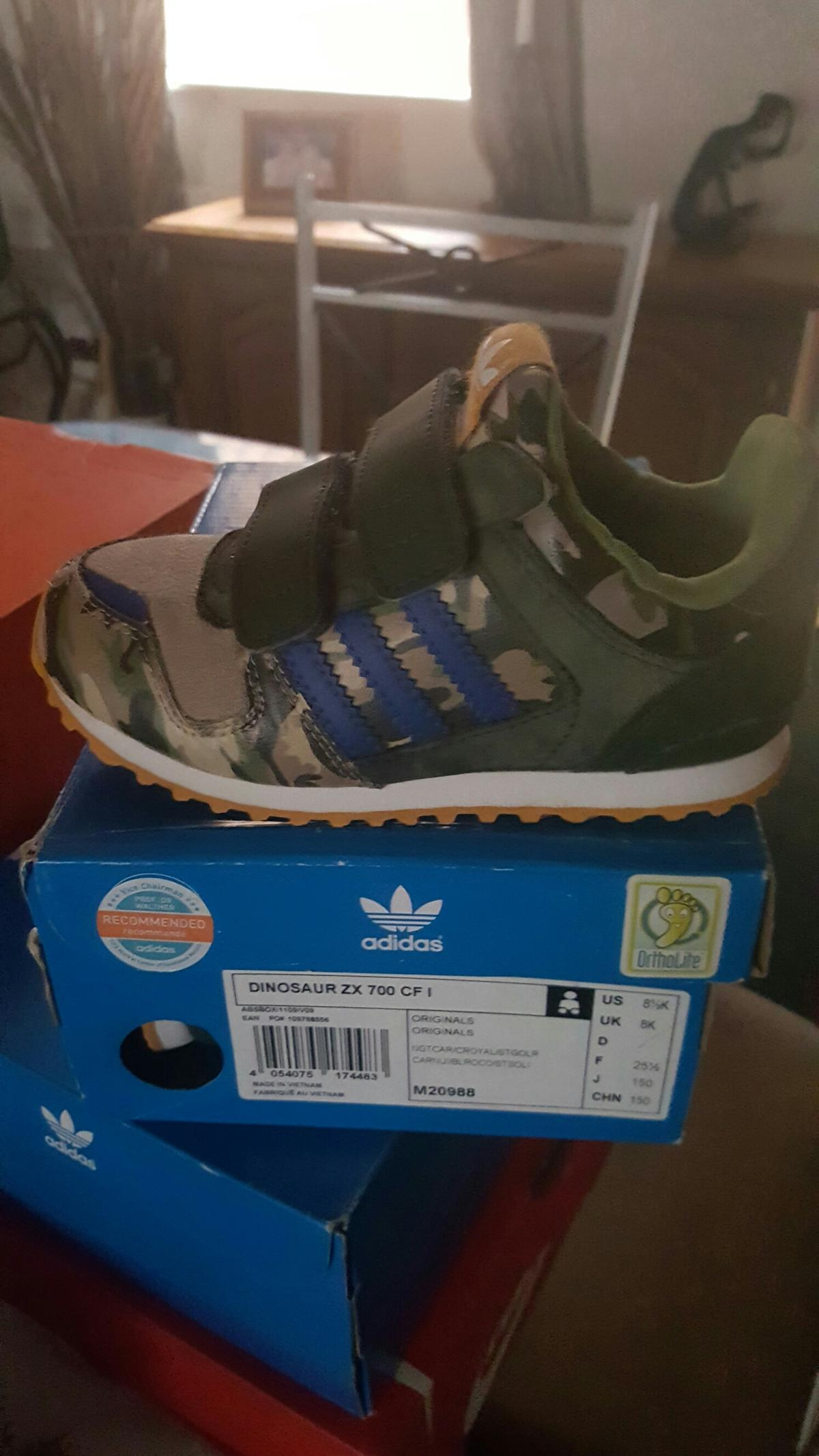 Kids adidas dinosaur zx 700 cf trainers in L7 Liverpool for