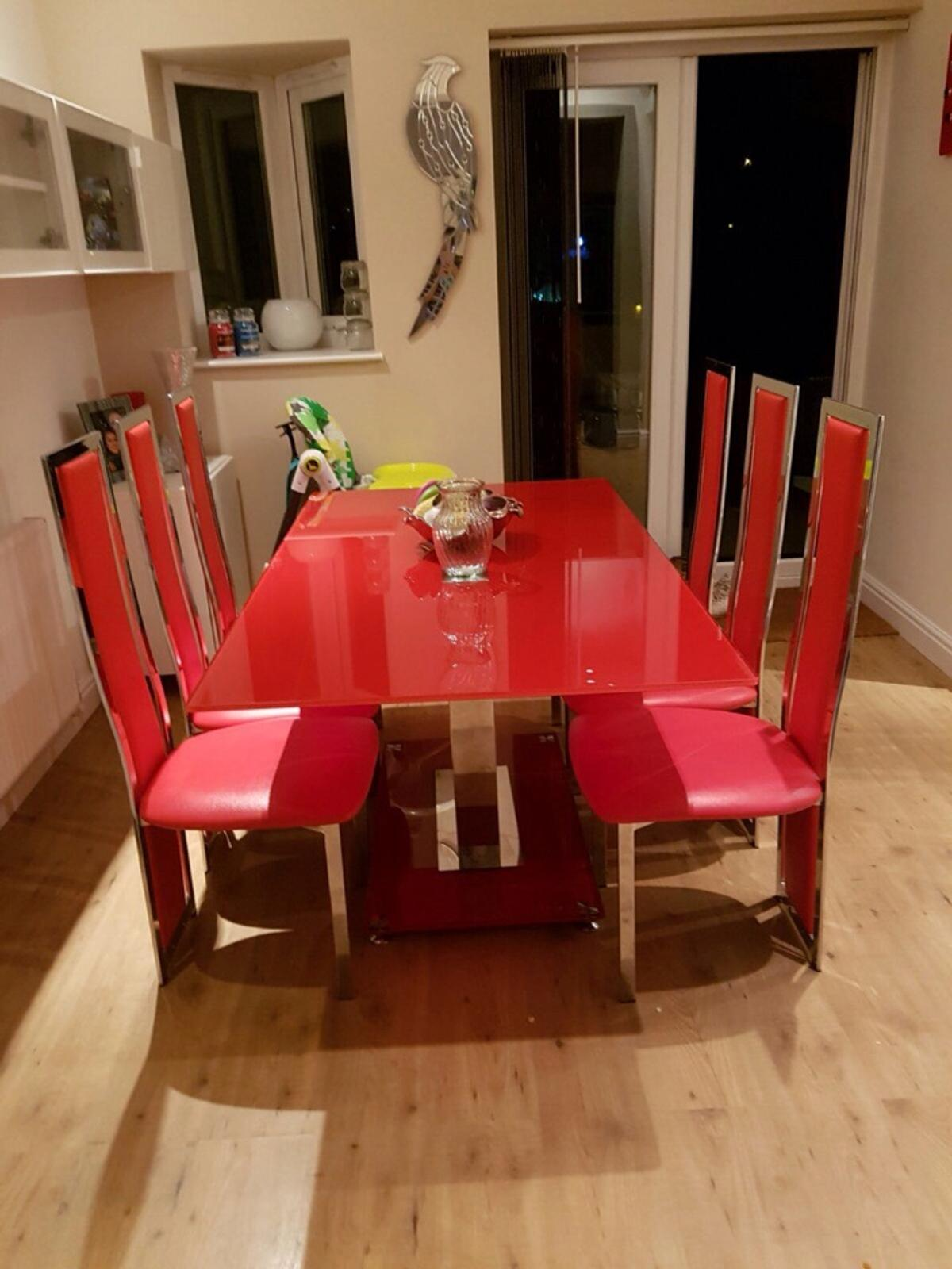 Red Glass Dining Table 6 Chairs In Ws3 Walsall For 150 00 For Sale Shpock