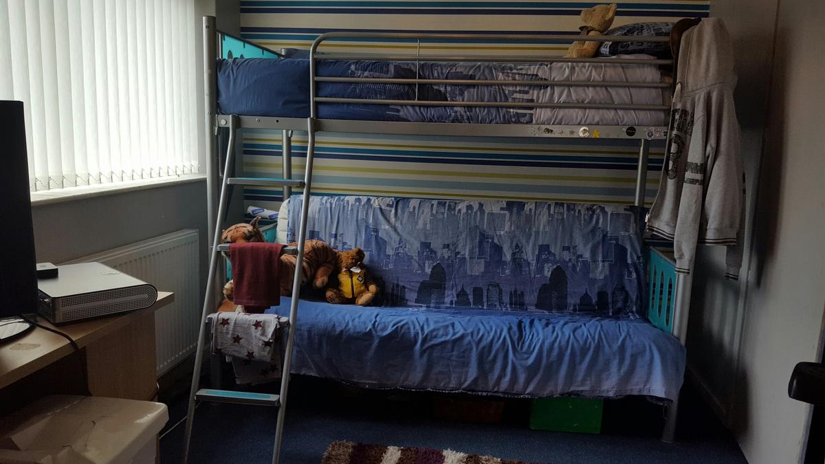 Picture of: Excellent Bunk Bed In Grapite Grey And Teal In S62 Rawmarsh For 50 00 For Sale Shpock