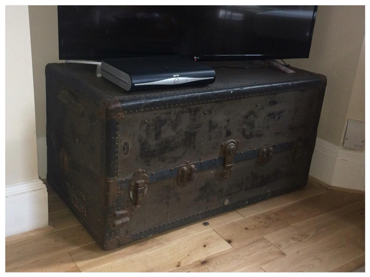 Large Antique Trunk In Bn3 Hove Für 250
