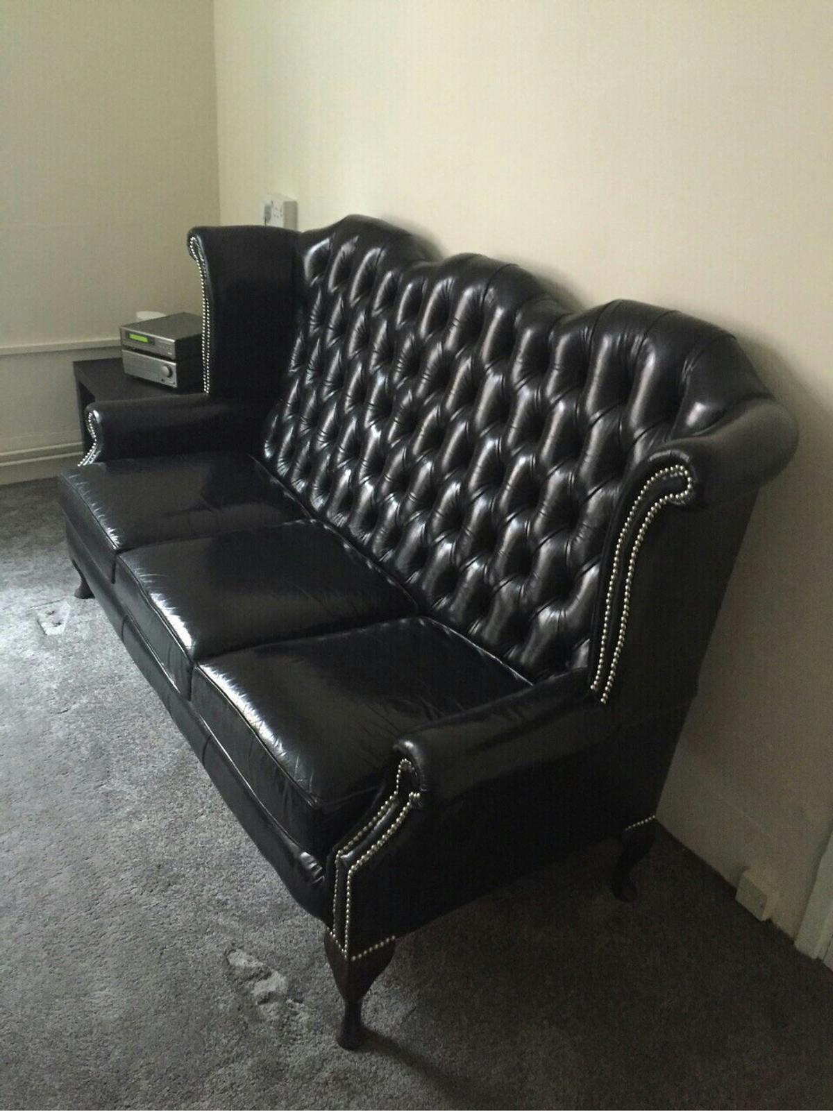 Chesterfield Leather Queen Anne High Back In N16 London For