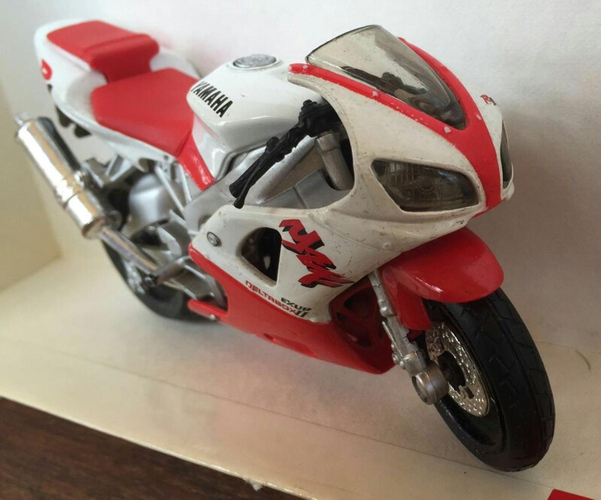 Ducati v.rossi 2011 1:12 moto scala new ray