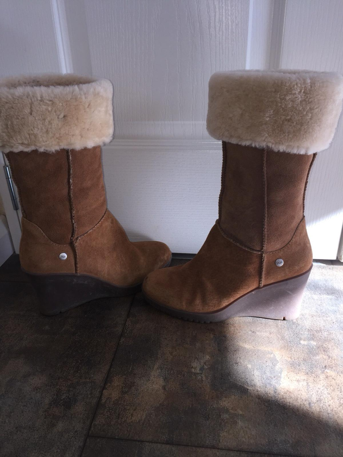 1412e720245 Ugg boots in NN14 Ringstead for £40.00 for sale - Shpock
