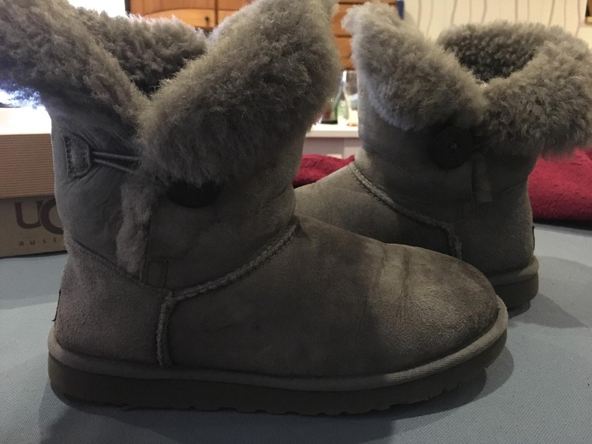 b8dab6b2e7 Ugg Boots bailey button in Grau Größe 39 in 31177 Harsum for €115.00 ...