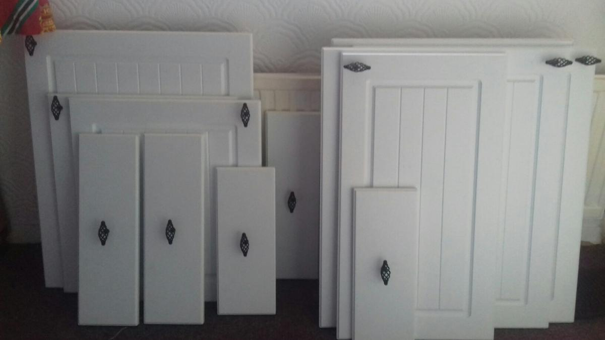 15 X Kitchen Doors Drawer Fronts B Q Chilton In Sk13 Hadfield For 50 00 For Sale Shpock