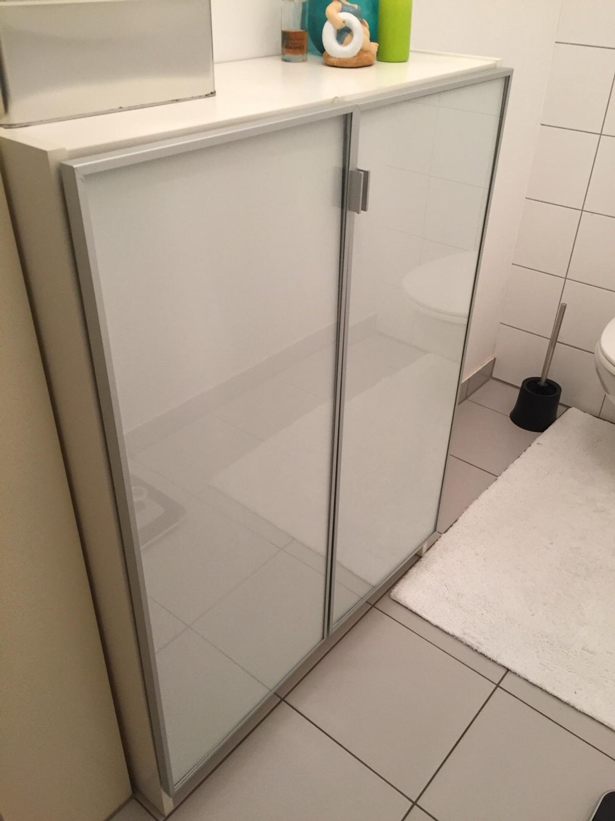 Billy Morliden Weiss Regal Mit Turen Schrank In 1160 Wien For 25 00 For Sale Shpock