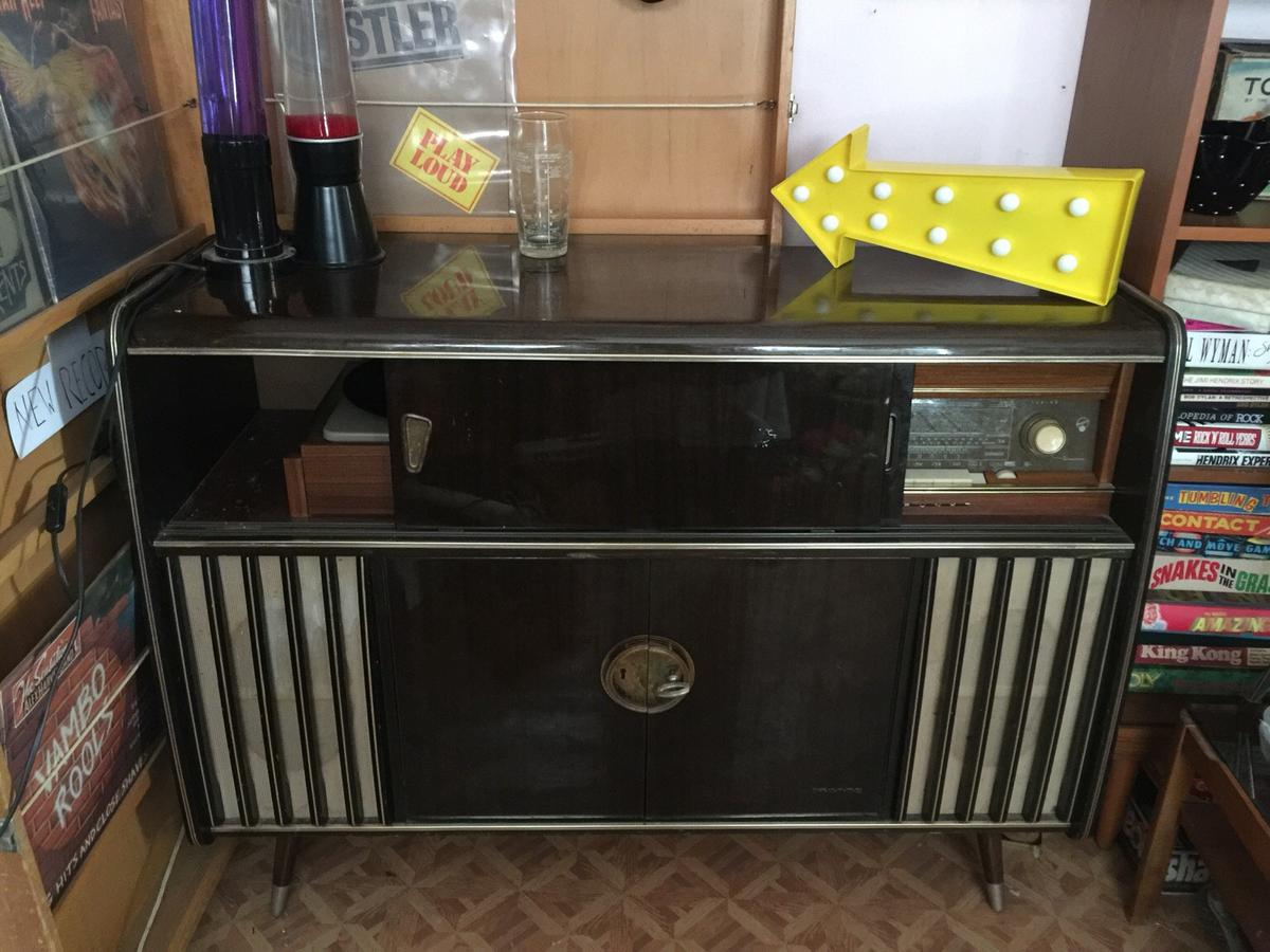 Vintage retro 1950s record player in MK2 Bletchley for £185 00 for
