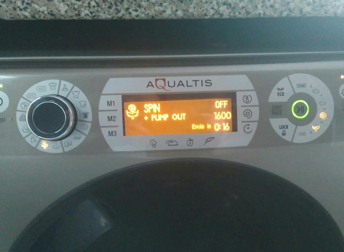 Hotpoint aqualtis 11kg 1600 spin washing mac in SS3-Sea for