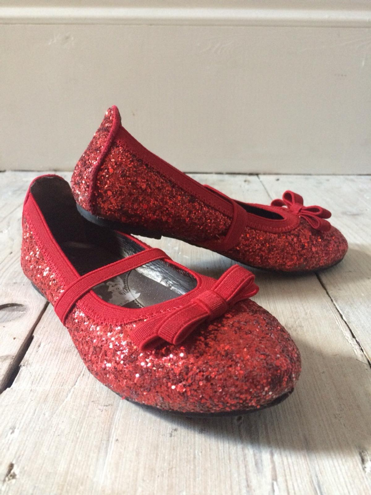 885106a2f2b8 Girls red sparkly shoes    UK 10.5-11 kids in SE18 London for £2.00 ...