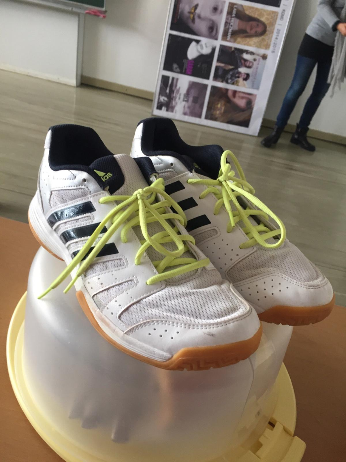 sneakers for cheap 100% authentic beauty Adidas Hallenschuhe 43 in 8141 Oberpremstätten for €8.00 for ...