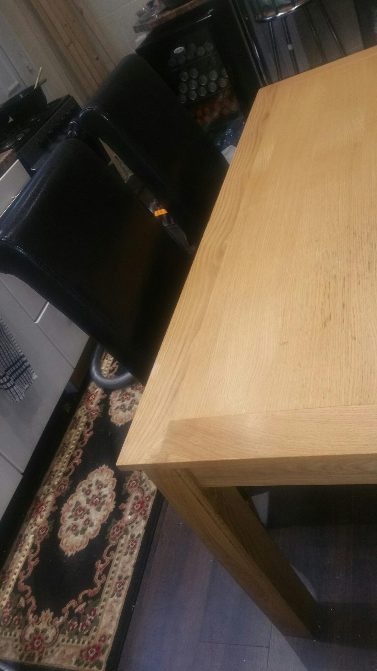 Dining Table Chairs In OL9 Oldham For 10000 Sale