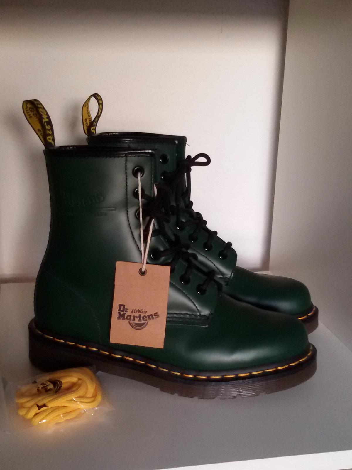 Dr.Martens Docs 1460 grün 37 UK4 NEU in 50674 Köln for
