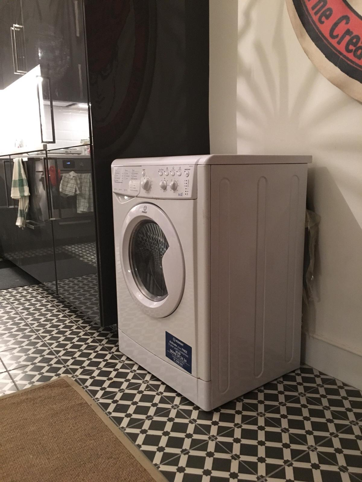 NEW indesity laundry machine