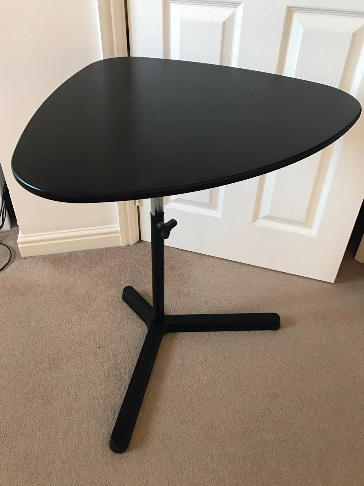 Black Laptop Table Design Ideas
