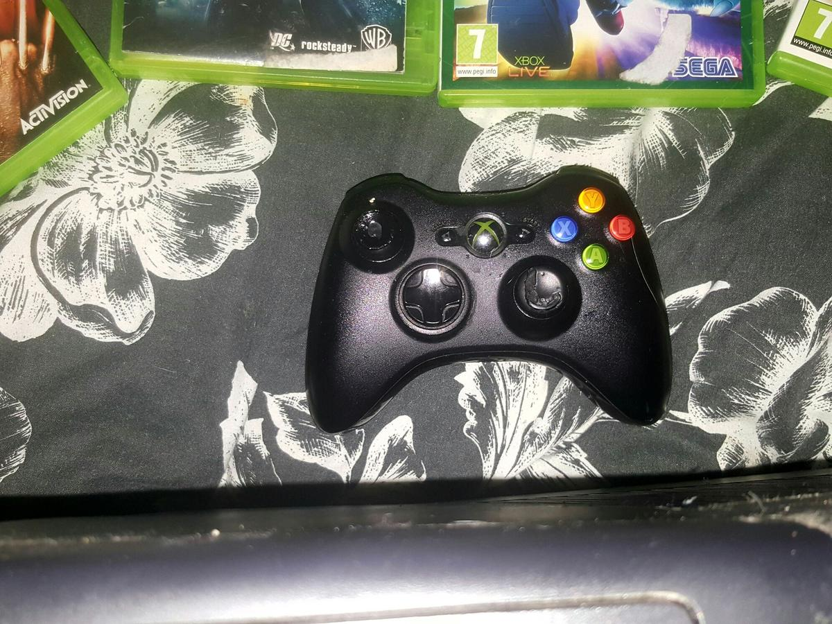 Xbox 360 with 7 games and remote in SR3 Sunderland for