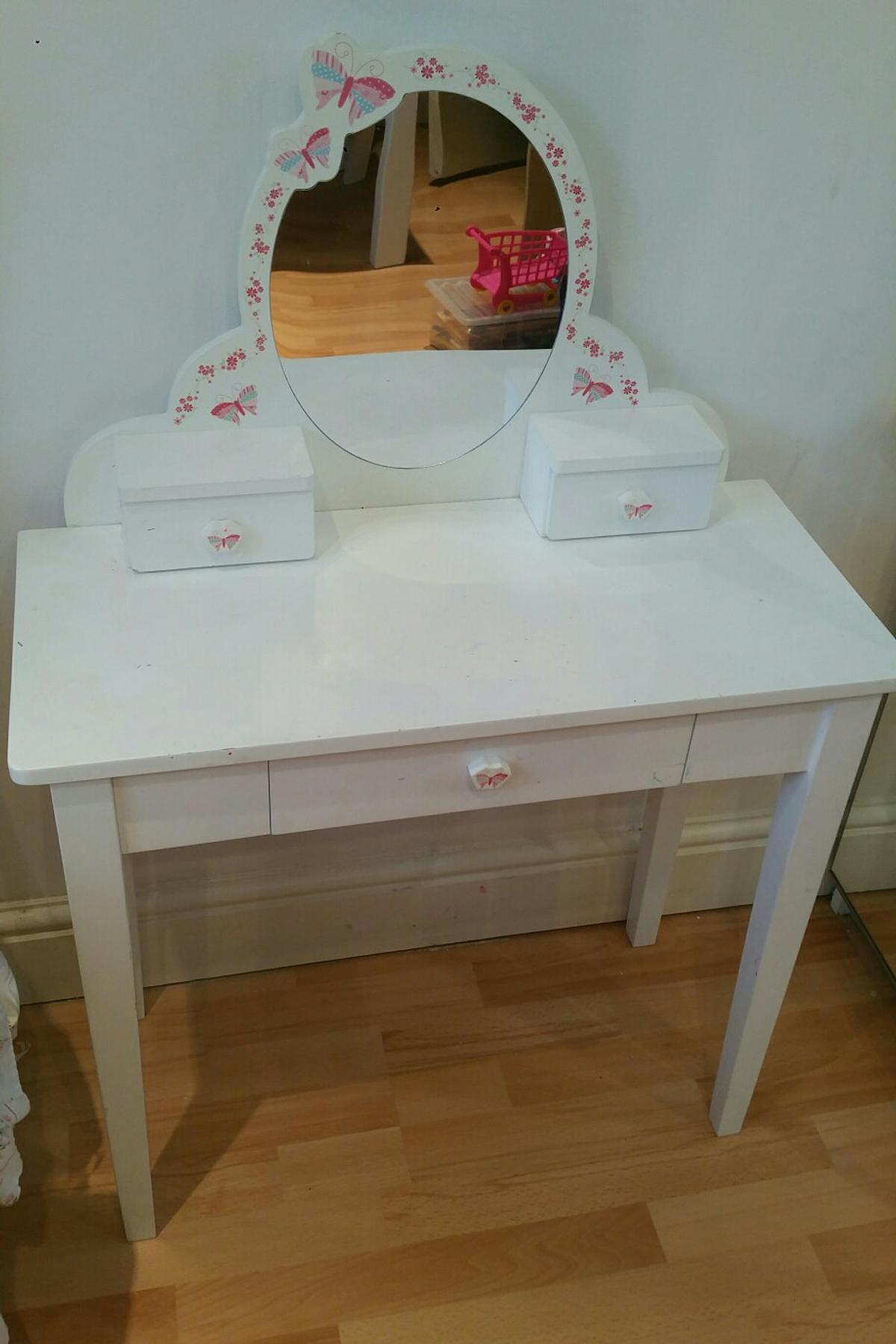 Girls Butterfly White Mirrored Dresser In N17 London For 20 00 For Sale Shpock