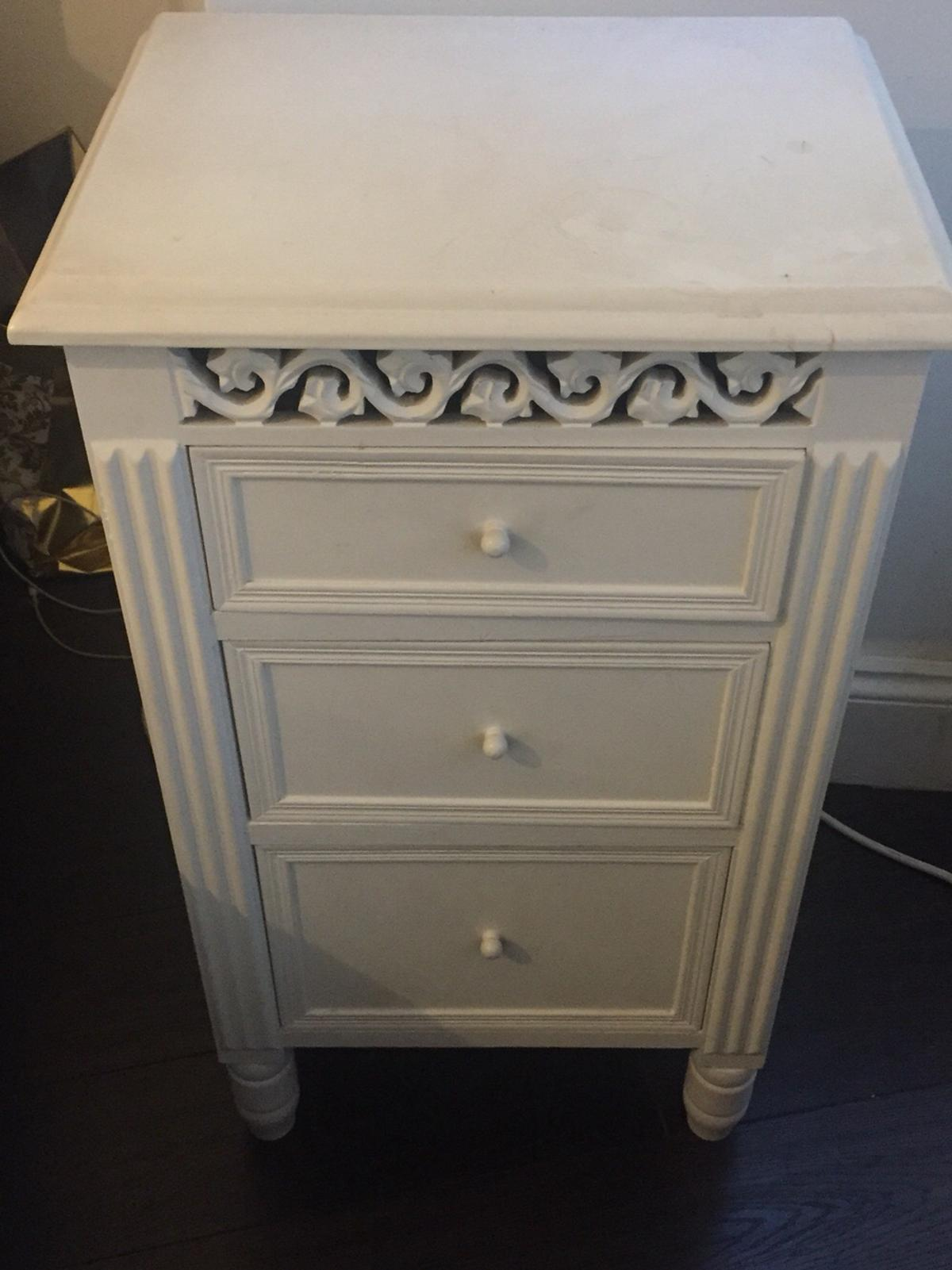 Picture of: Shabby Chic Bedside Cabinet In Ha5 Pinner For 20 00 For Sale Shpock