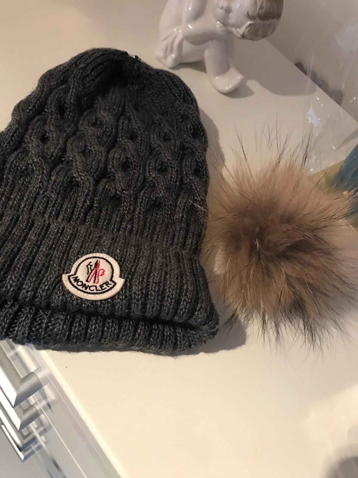 separation shoes d4a3f 61e4a Graue Moncler Mütze Haube in 4052 Ansfelden for €95.00 for ...