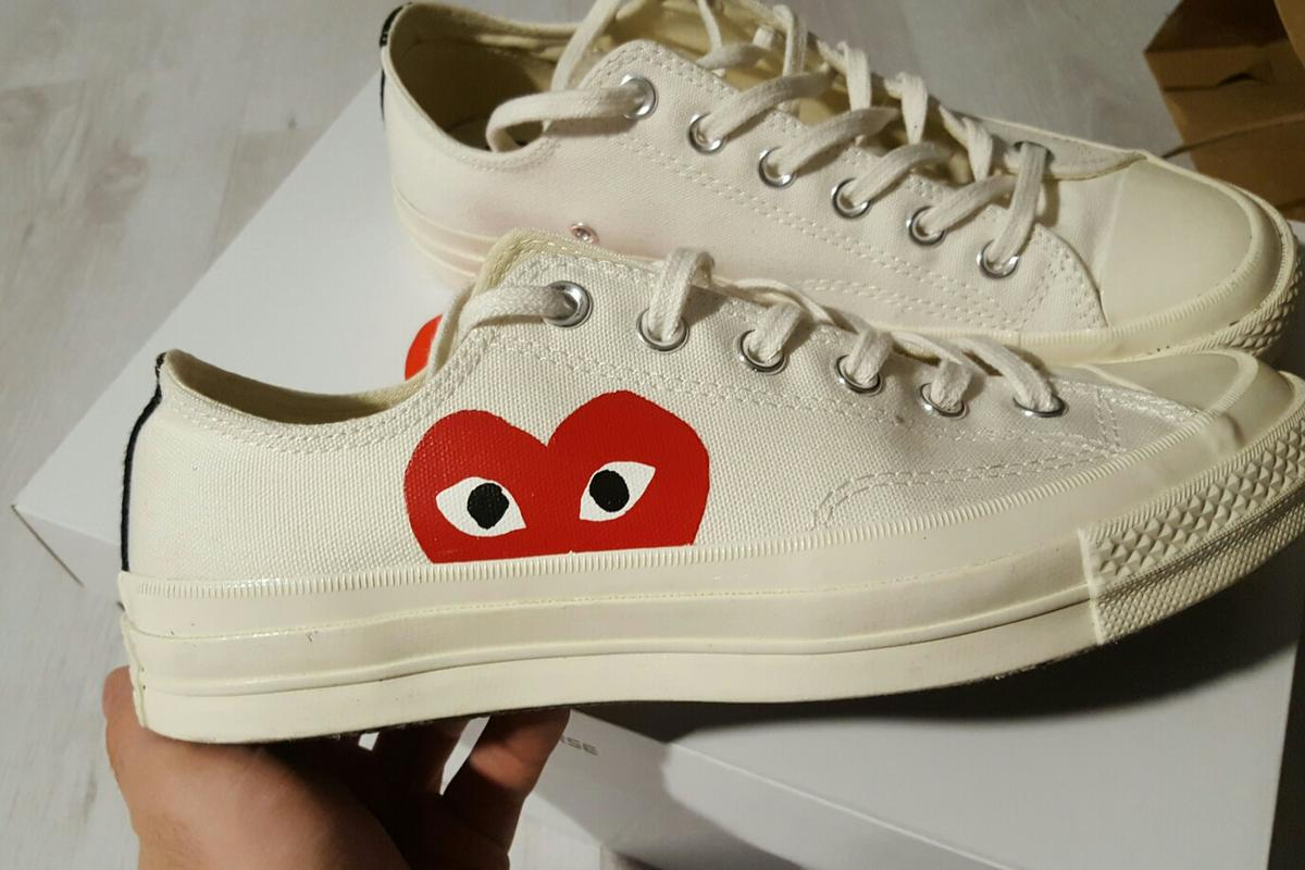 Comme des Garcons Play x Converse Chucks in 1220 Wien for