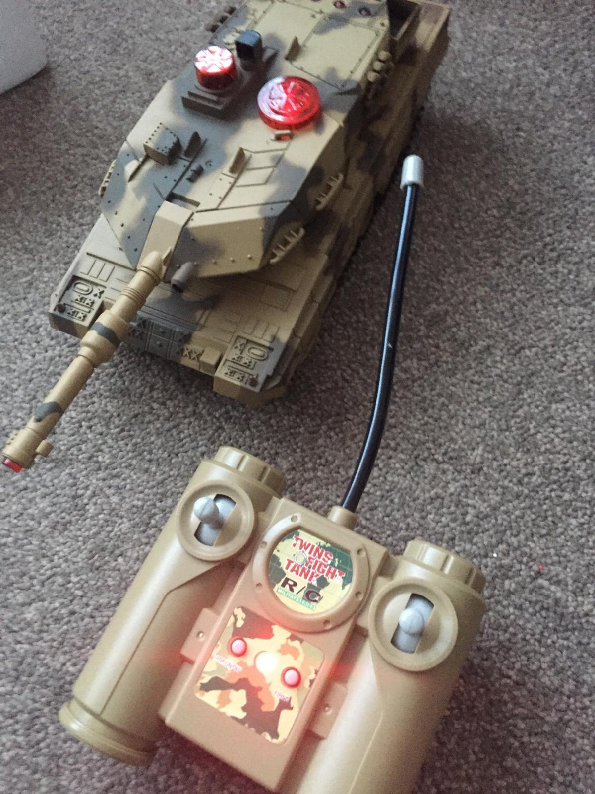 Huan Qi radio control infrared battle tanks in PO3