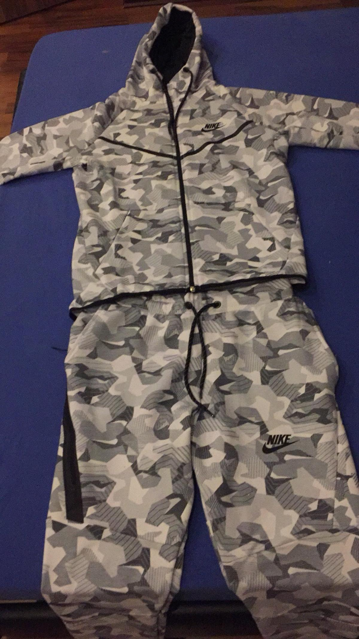 100% high quality reasonably priced new cheap Nike Tech Fleece Camouflage Anzug in 53227 Bonn für 45,00 ...