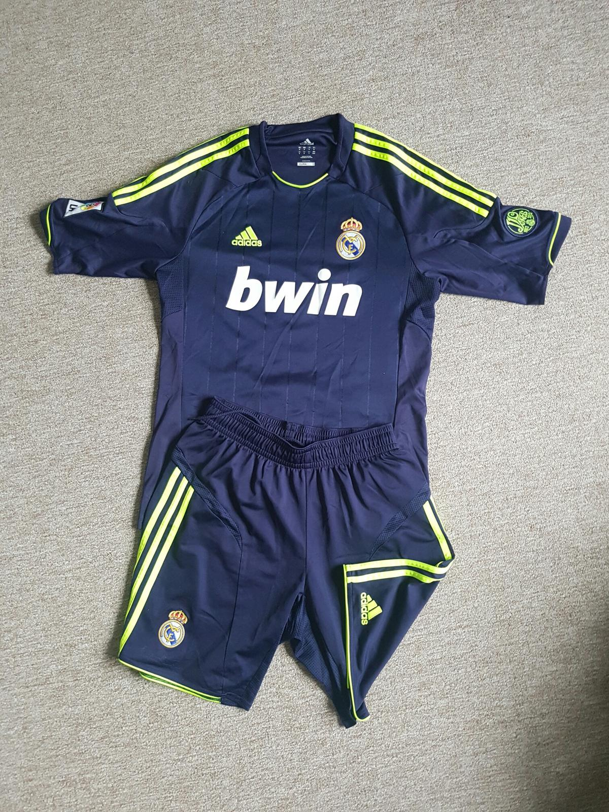 purchase cheap 66944 4884c Real madrid kit