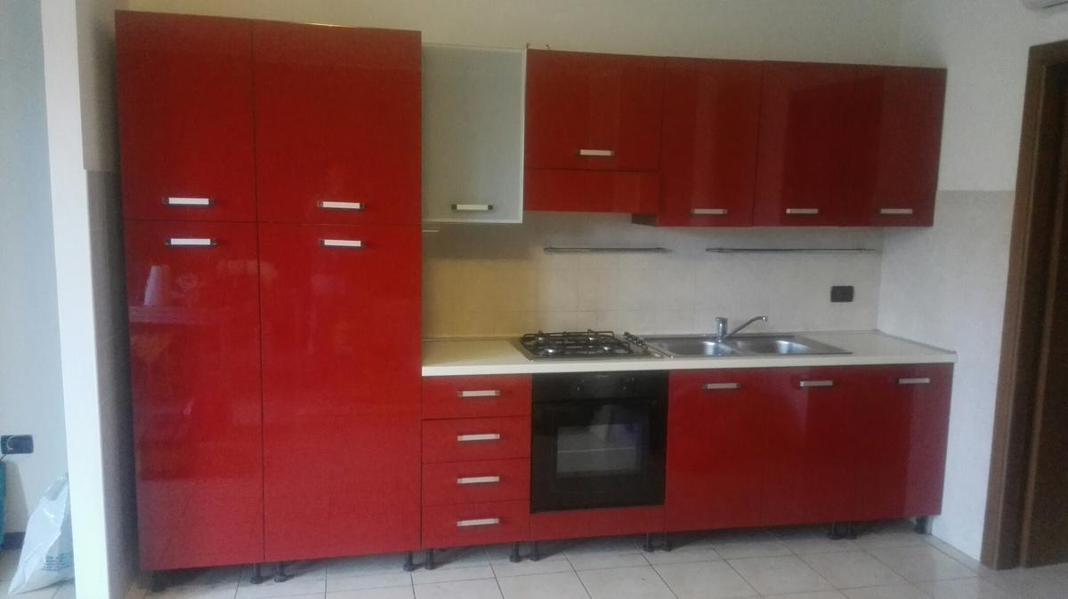 Cucina moderna rossa in 45017 Grimana for €1,000.00 for sale - Shpock