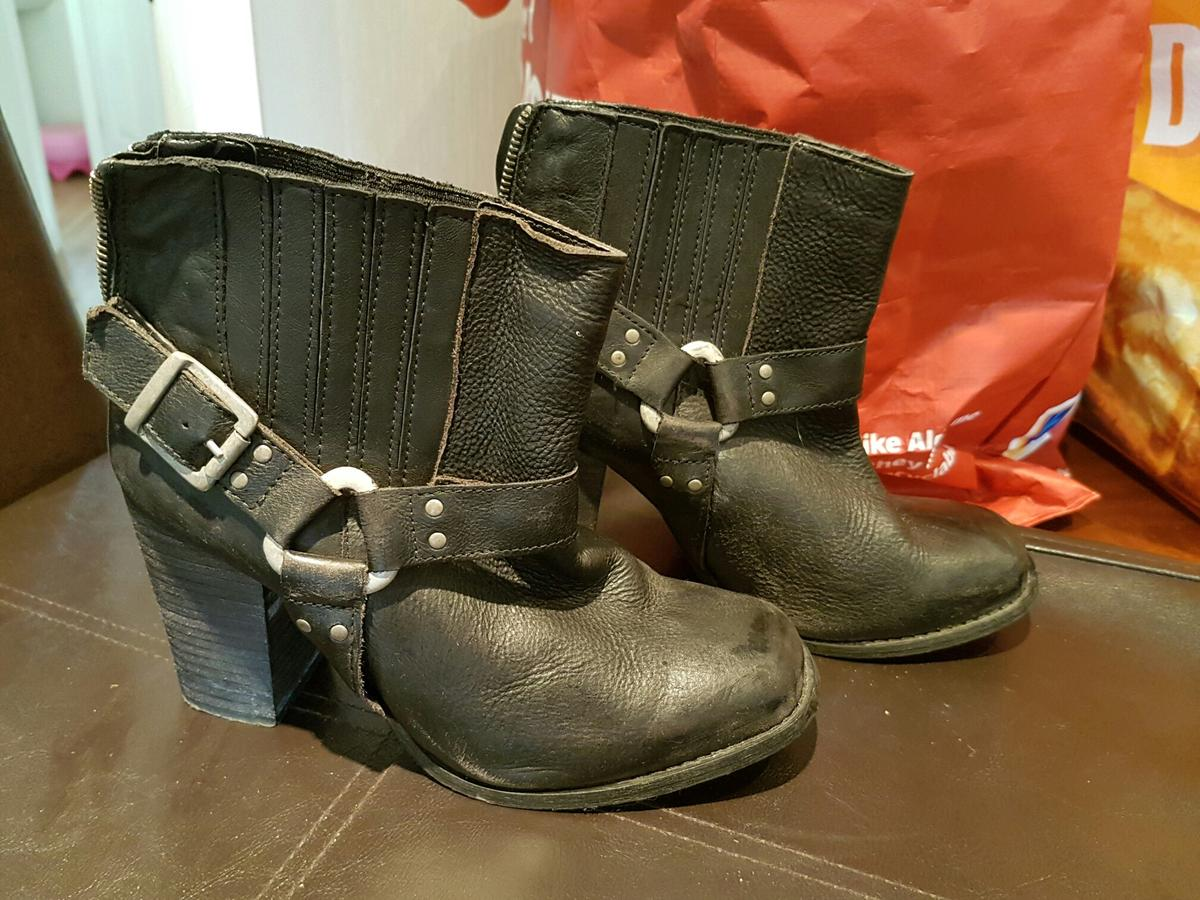 a1755bad1858a River island Size 5 boots in GL2 Quedgeley for £15.00 for sale - Shpock