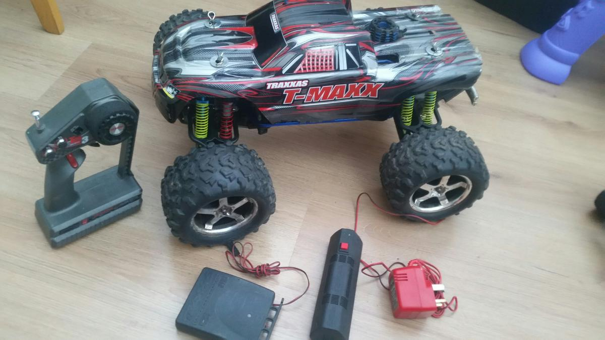 Traxxas T Max 4wd Nitro Rc Truck Not Kyosho In Gu52 Crookham For 150 00 For Sale Shpock