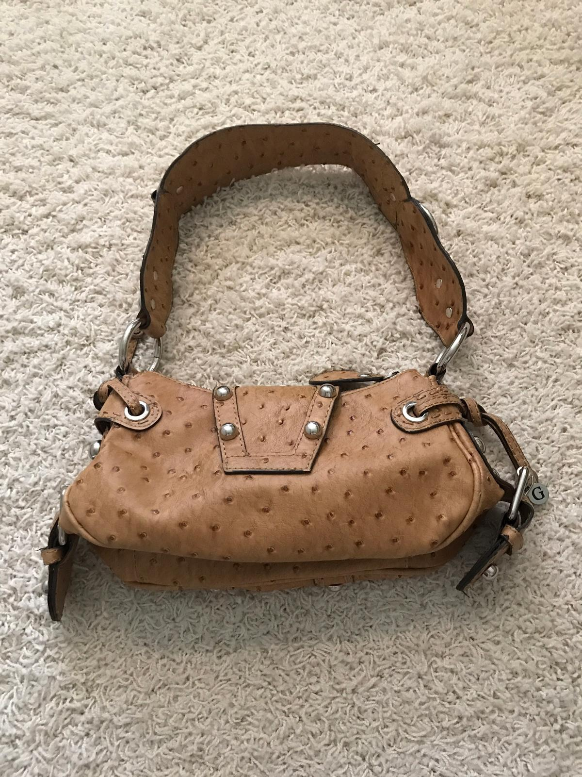 Guess Tasche in 40547 Düsseldorf for €20.00 for sale | Shpock