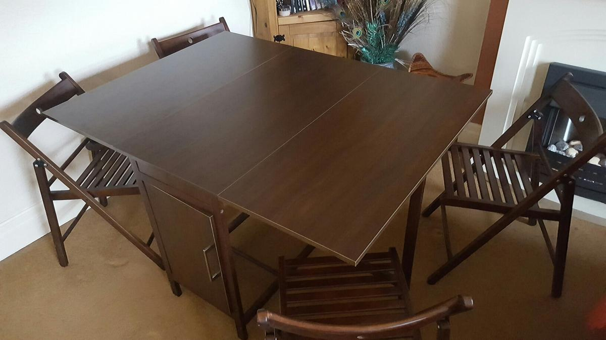 Foldaway Dining Table And Four Chairs In B66 Smethwick Fur 60 00 Zum Verkauf Shpock De