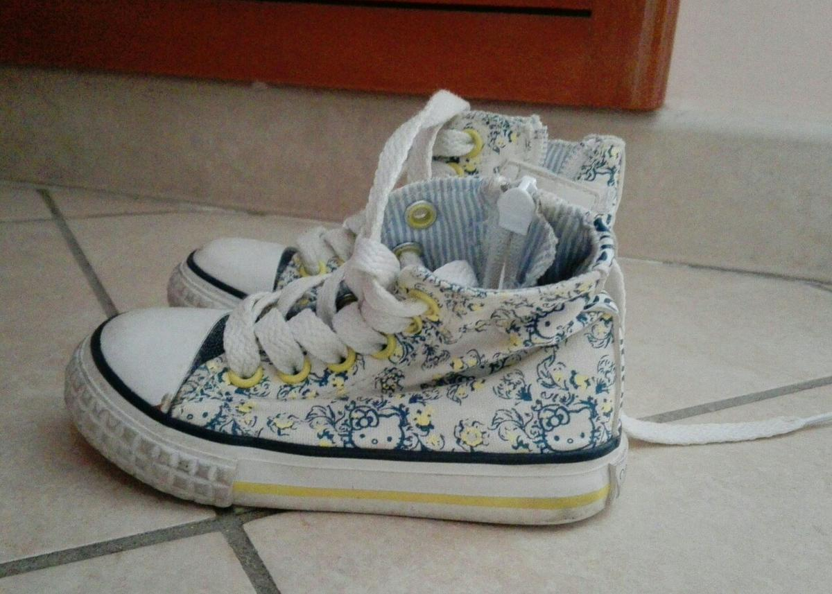 more photos bbd10 3b5a5 Scarpe bimba hello kitty in 00126 Roma for €6.00 for sale ...