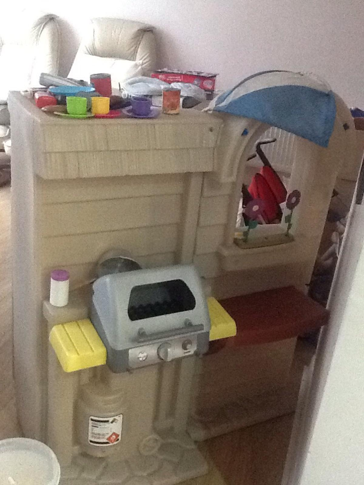 Little Tikes Inside Outside Cook N Grill Bbq In Tw15 Ashford For 40 00 Sale Shpock