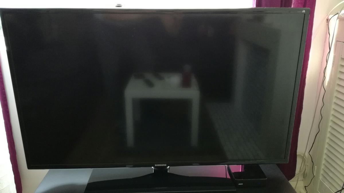 Samsung LED 40inch TV, 6 series, Active 3D in LE3 Leicester