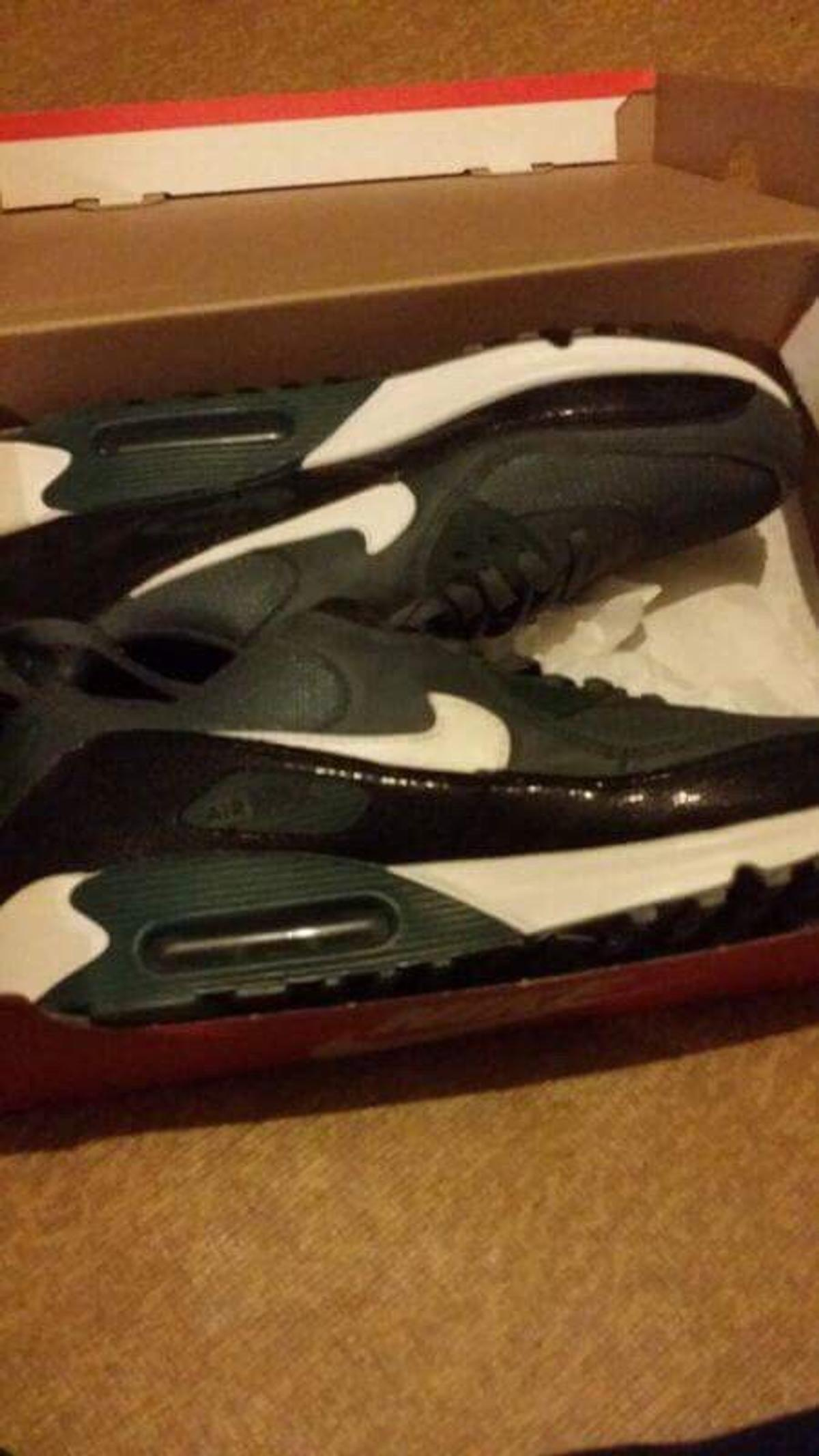 newest dc1bf fc44c Men's Brand New Nike Air Max 90 Size 11